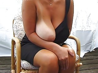 Blonde Huge-Boobs-MILF Posing