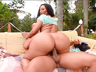 Gorgeous Big Booty Latin Luana Gettin BBC