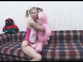 Young Girl Gets Creampie From Her Boyfriend