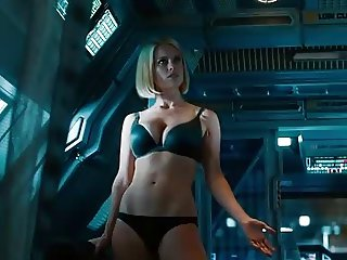 Alice Eve doesn't want you to see her underwear