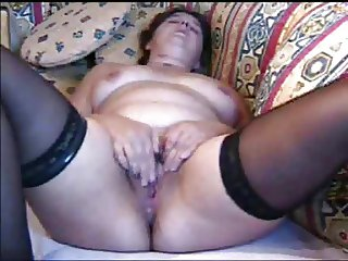 Wife orgasms while rubbing her clit hard