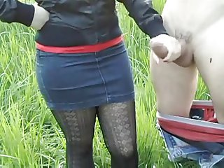 HandJob on nature! Russian amateur!