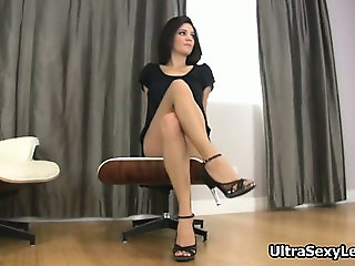 Sexy brunette babe gets horny showing part3
