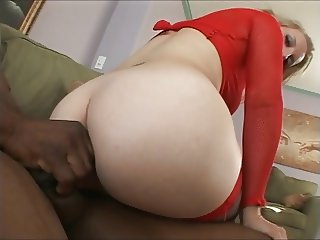 Russian PAWG Tanya's First BBC