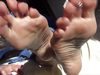 Mature feet to lick suck fuck cum