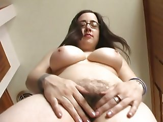 Plump mom with hairy cunt & sweet giant boobs