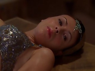 Alyssa Milano - Charmed season 5 e03-23