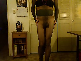 exhibition of a pantyhosed cd