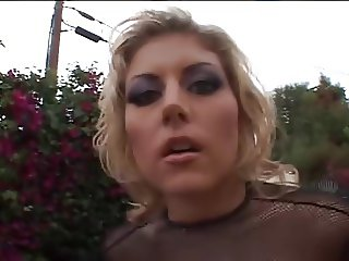 Street whore makes a good deal