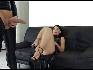 Cuckolding in latex