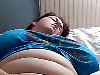 Amateur british bbw Amy masturbating with egg vibrator