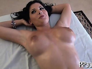 Delighting a stunning babe's cunt