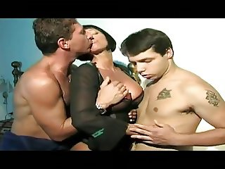 Anal threesome for italian Valentine