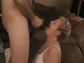 A Lot Cum Gushing on Wifes Face - negrofloripa