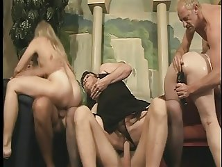 Mature whore gets pussy fucked with large dildo