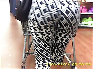 nice fat black jiggly booty spy in store 33
