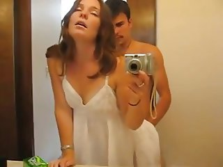 Amateur sex in bathroom, cum in mouth