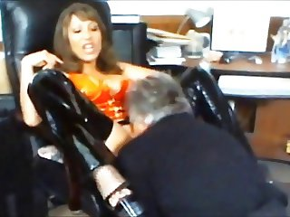 magnifik Mistress with perver stooge