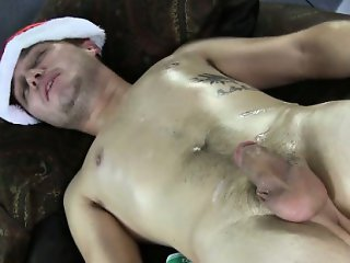 Straight guy shows naked body at massage