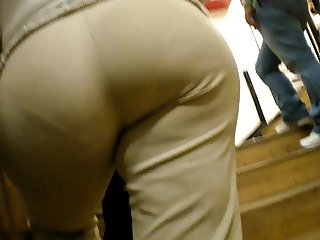 mature pant wide booty