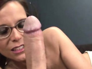 HJ loving old raven with glasses giving tugjob