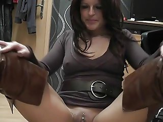 Hot and horny german MILF in boots makes herself cum