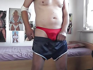 sexy knappe shorts und satin string