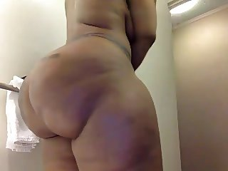 Massive Booty on cam