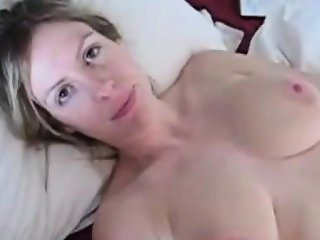 Boyfriend wakes her up for a fuck