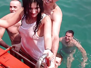 Russian teen fuck in Thai sea