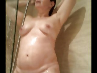 wife pussy shower 8-6-14