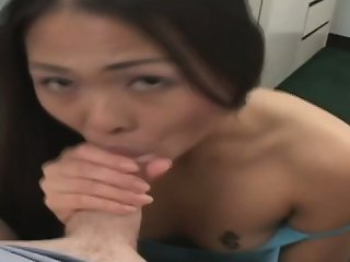 Asian girl want to get horny