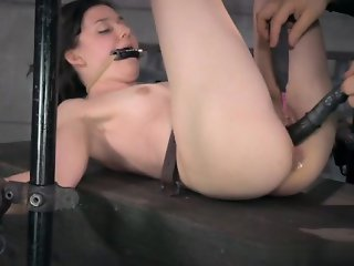 18 year old pussy  creampie