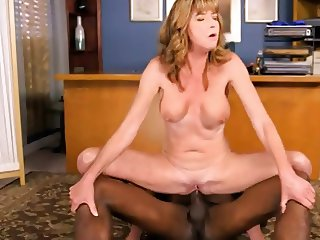 Sexy BBC-loving MILF in IR sex action