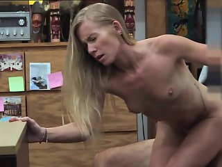 Blonde babe sells her piece of shit car for some money
