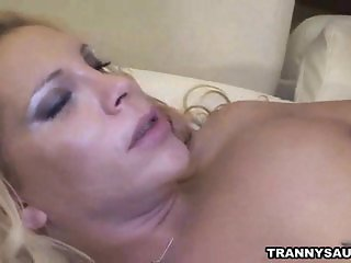 Shemale Jennifer and her man fuck each others