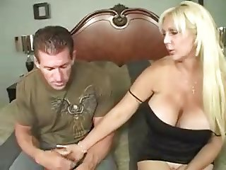 Kayla Kupcakes gets nailed by the plumber