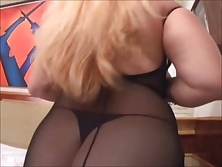 Horny Mature Likes Anal Sex