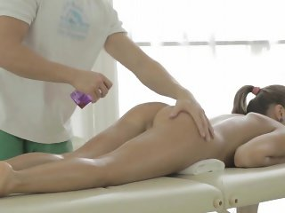 Gorgeous babe receives wild poundings after sexy massage