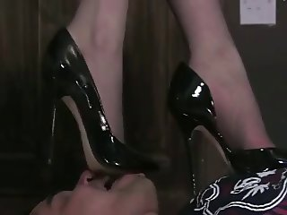 Slave worship mistress feet