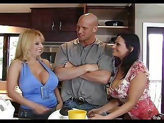 Ava and Harmony in big boobs thresome