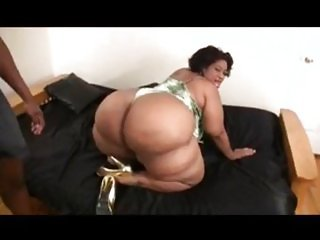 thick bitch loves black cock