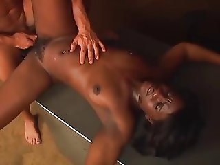 ebony babe cunt plowed with a white