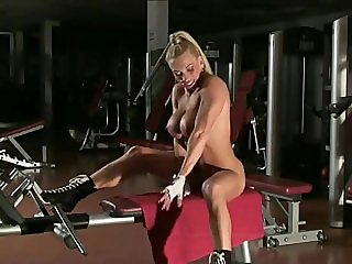 Krisztina Sereny 01 - Female Bodybuilder