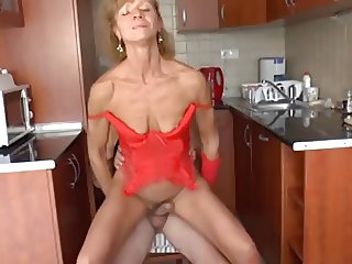 skinny granny got her old twat fucked