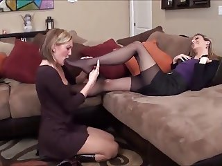 pantyhose foot worship -bymonique