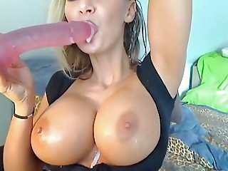 Big titts and dildo