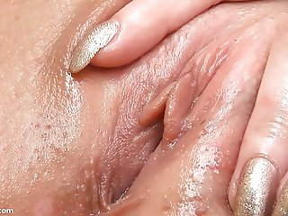 Ariana's Tight Pussy and Vagina Muscles