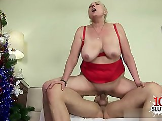 Horny pussy surprise facial