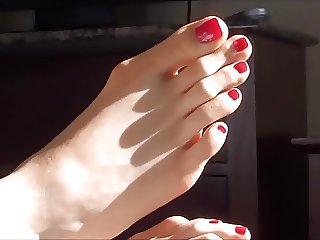 Long Toes for a Short While